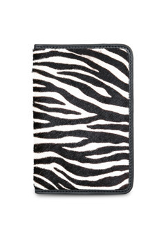 60082011 - COW HAIR LEATHER PASSPORT WALLET