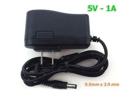 Adapter 5V-1A 5.5m x 2.5mm