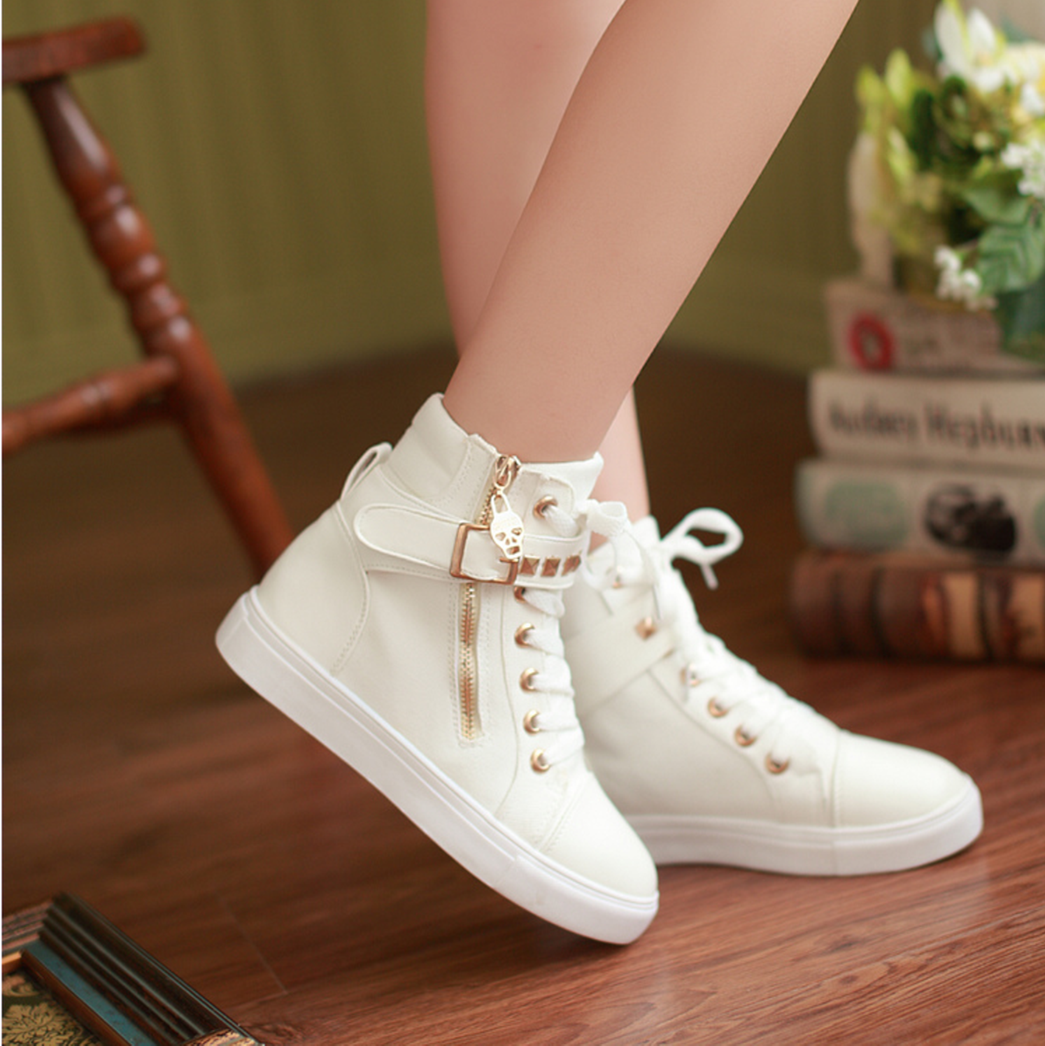 Fashionable shoes for girls 37