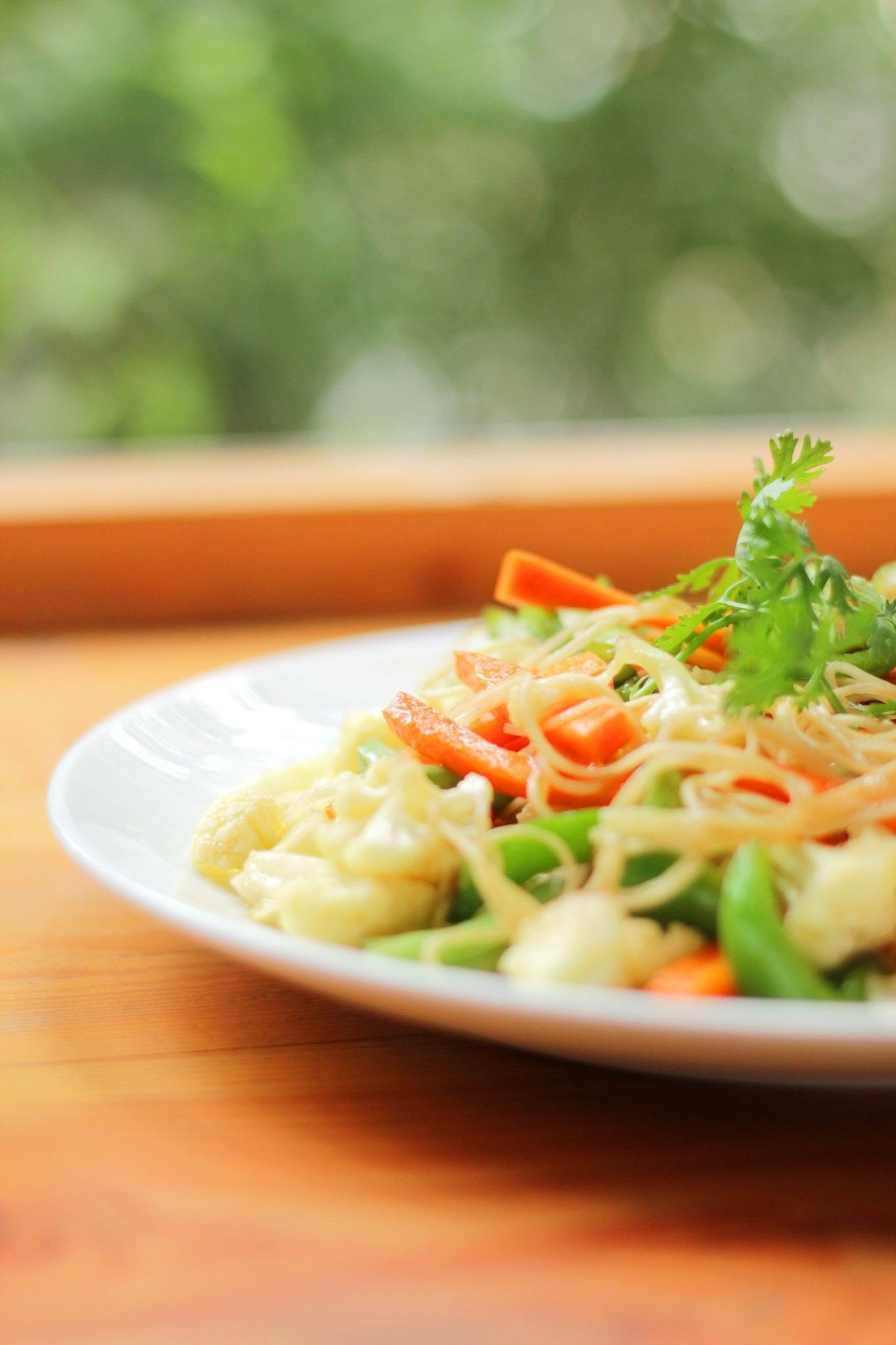FRIED EGG NOODLE WITH VEGGIE