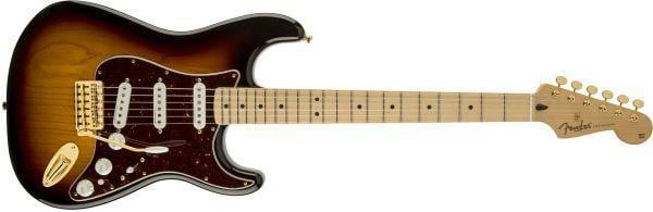 FENDER 0133002300 DELUXE PLAYERS STRAT®