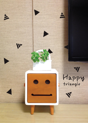 #FA007 Happy Triangle - Decal dán tường - 1