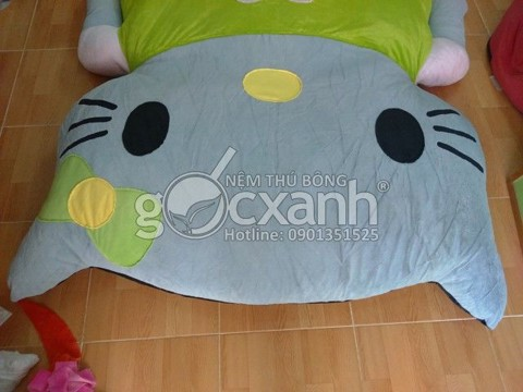 nem hello kitty mat xam