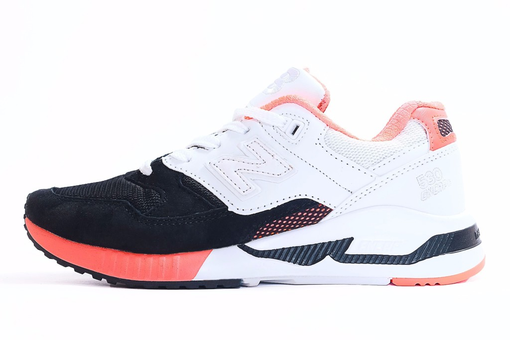 NEW BALANCE 530 - WHITE / BLACK / PINK