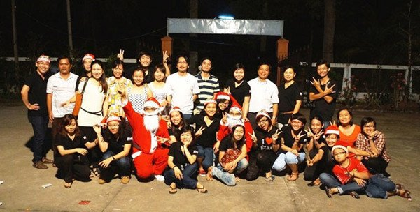 Christmas party for poor children in Ben Tre province