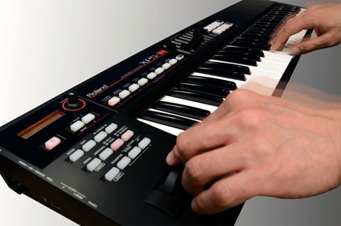 ROLAND XPS-10 EXPANDABLE SYNTHESIZER KEYBOARD