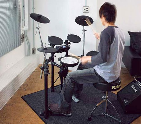 Learning drum in District 7, Ho Chi Minh City, Sai gon