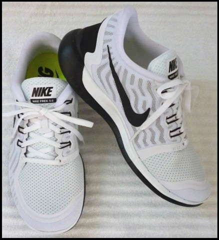 "G 01 - GIẦY THỂ THAO NỮ "" NIKE- running Free 5.0 "" size 9 US = 40 VN cực nhẹ"