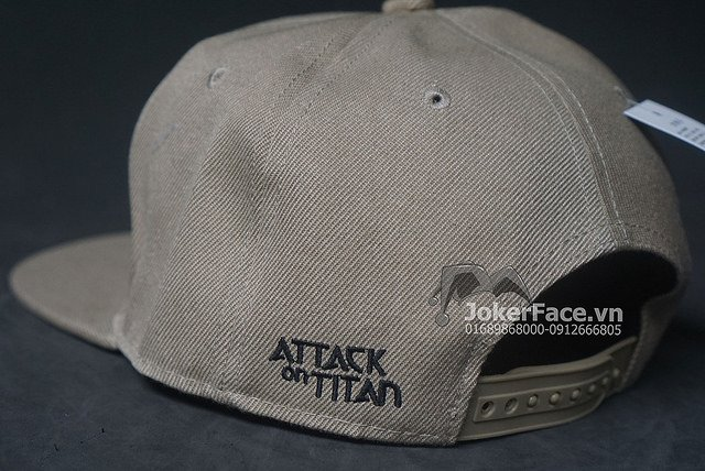Mũ Snapback Attack on Titan xám