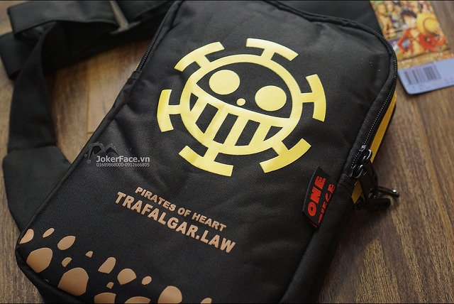 Cặp Ipad Trafargal Law - One Piece