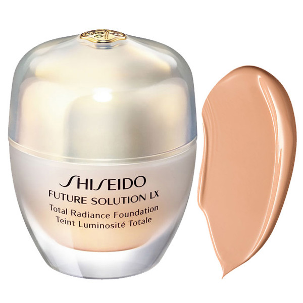 phan nen dang kem shiseido future solution lx total radiance foundation I60